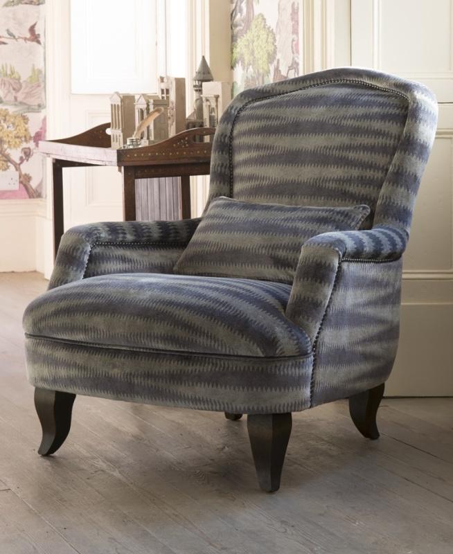 Alphonse_Chair_in_Argento_Velvet_Titanium