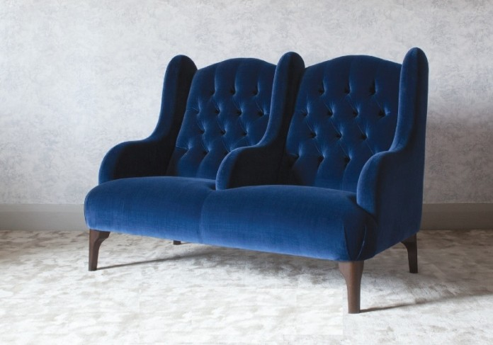 buckingham_snuggler_sofa