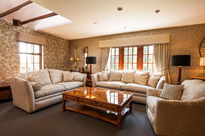 Traditional Light & Elegant Styled Living Room