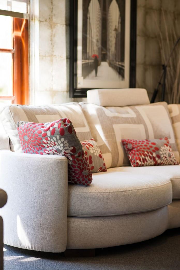 Furniture Showroom Fama Sofa