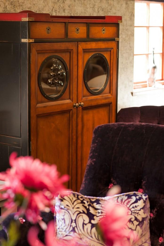 Living Room Furniture Displayed in Showroom