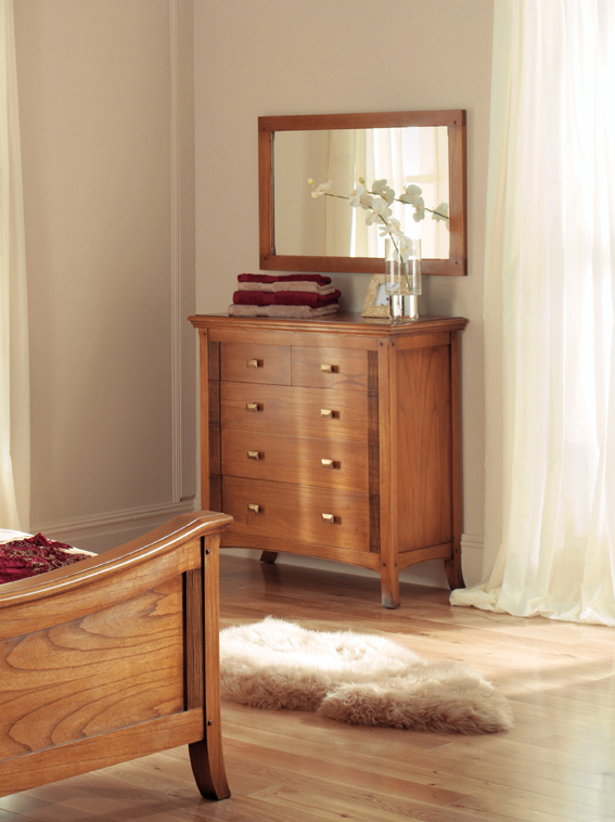 Ocaso Ash 2 over 3 chest of drawers