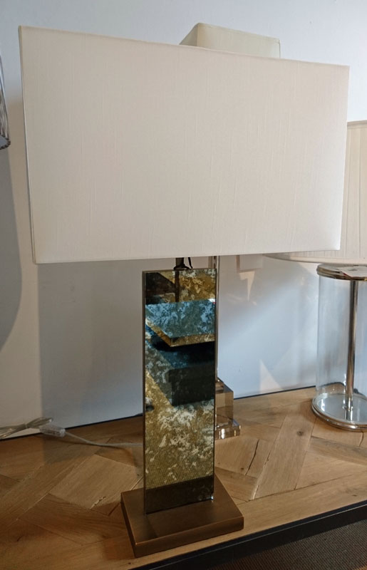 Mirror base lamp