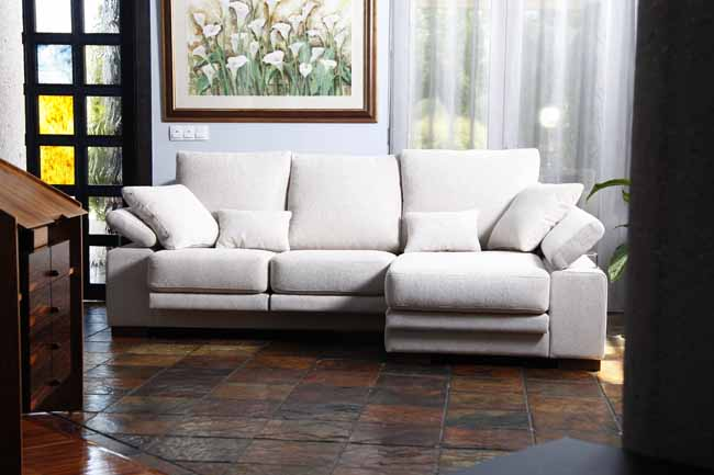 Nimbo Sofa from Fama